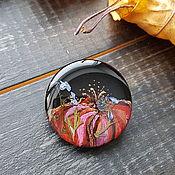 Брошь-булавка ручной работы. Ярмарка Мастеров - ручная работа Брошь-булавка: алый цветок росписной. Handmade.