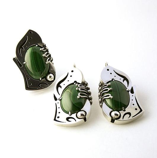 Комплекты украшений ручной работы. Ярмарка Мастеров - ручная работа. Купить Серебряный комплект с малахитом - Магический зеленый. Handmade.