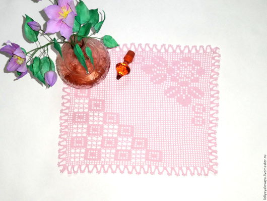 салфетка крючком, салфетка квадратная, салфетка филейная, филейное вязание, салфетка с розами, розы, салфетка кружевная, салфетка ажурная.