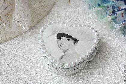 Шкатулка ручной работы `Любимая Одри`.