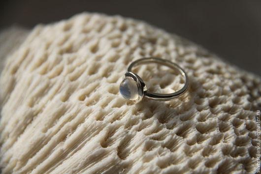 Кольца ручной работы. Ярмарка Мастеров - ручная работа. Купить Кольцо малое с натуральным лунным камнем. Handmade. Кольцо