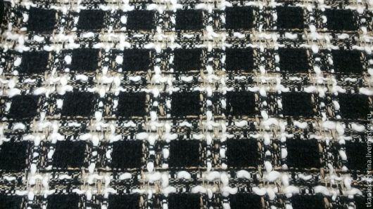 Костюмная ткань № 71.  Изумительное мягкое чёрно-белое-бежевое букле в клетку. Ширина 150 см Франция. Ваш Дом Ткани.