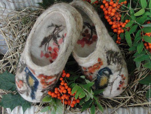 """Обувь ручной работы. Ярмарка Мастеров - ручная работа. Купить Тапочки """"Синички"""". Handmade. 100% шерсть меринос, натуральные материалы"""