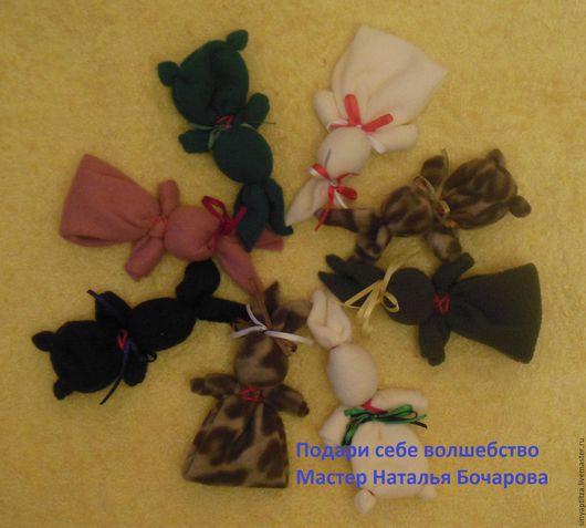 Зайчик на пальчик. Игровая и обережная игрушка.Традиционная кукла.  Ярмарка Мастеров-ручная работа. Купить подарок ребёнку.