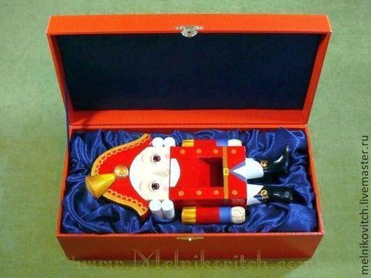 """Статуэтки ручной работы. Ярмарка Мастеров - ручная работа. Купить Подарочная посылка """"Принц"""" в оранжевой игуане. Handmade. Рыжий, подарок"""