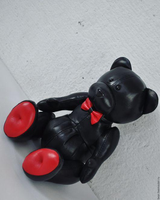 Мишки Тедди ручной работы. Ярмарка Мастеров - ручная работа. Купить Мишка кожаный PLONGE NERO. Handmade. Черный, красный