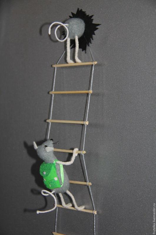 Магниты ручной работы. Ярмарка Мастеров - ручная работа. Купить Мышки - воришки (серые) магнит на холодильник. Handmade. Разноцветный, белый