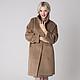 Стильное пальто `Camel` в стиле минимализм.  Строгий силуэт с простыми чётко выверенными линиями кроя подойдёт и для делового стиля, и для street style.  В наличии имеются пальто в других цветовых ва