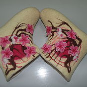 Slippers handmade. Livemaster - original item Sneaker chuni Sakura. Handmade.