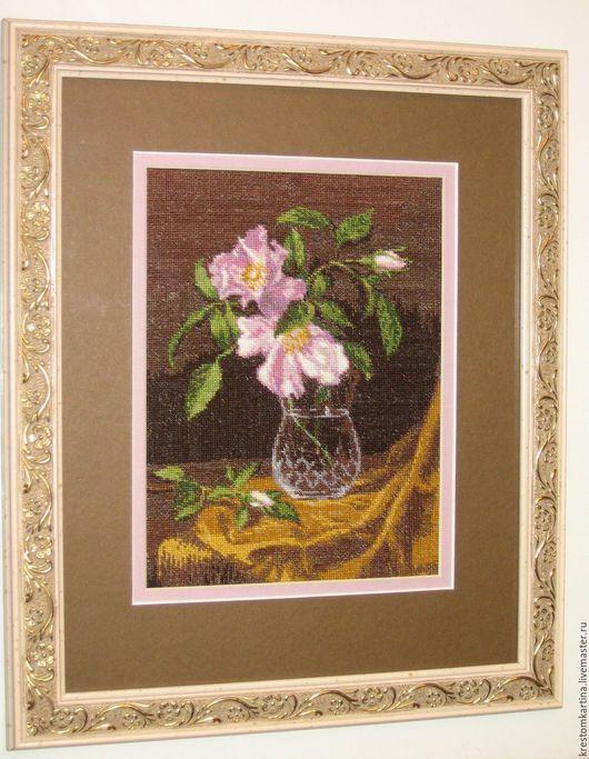 """Картины цветов ручной работы. Ярмарка Мастеров - ручная работа. Купить Вышитая картина""""Ваза с кустовыми розами"""". Handmade. Комбинированный"""