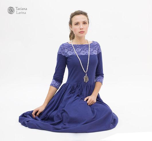 Нарядное платье в пол из хлопкового трикотажа. Элегантное длинное платье глубокого синего цвета. Платье с кружевом на каждый день - удобство трикотажа, комфорт хлопка, изысканность декора.