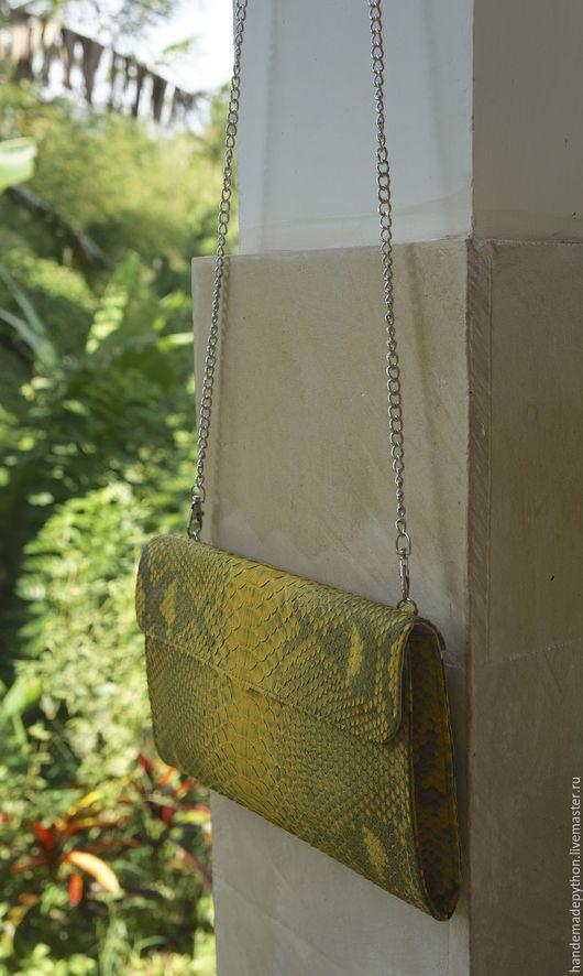 Женские сумки ручной работы. Ярмарка Мастеров - ручная работа. Купить Клатч из натуральной кожи питона. Handmade. Желтый