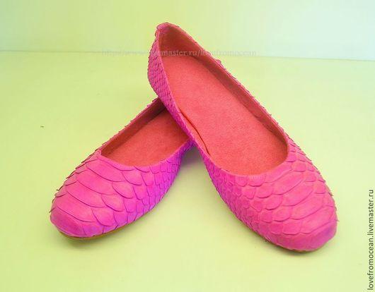 Обувь ручной работы. Ярмарка Мастеров - ручная работа. Купить Балетки (обувь) из натуральной кожи питона. Handmade. Фуксия