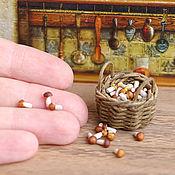 Куклы и игрушки ручной работы. Ярмарка Мастеров - ручная работа Корзинка с грибами - миниатюра 1:12. Handmade.