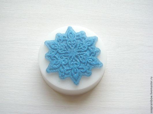 Новогоднее мыло `Хрустальная снежинка`голубая Новый год,Новый год 2016 Сувенирное мыло ручной работы Soap Rainbow Мыло ручной работы