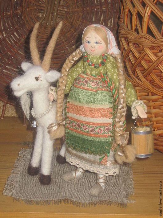 Композиция `Маша и Беляночка`. По желанию вы можете приобрести отдельно куклу Машу - 2000 руб. или отдельно козочку Беляночку -  2000 руб.