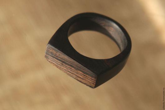 Кольцо из гренадила  `Африка` Материал: древесина гренадила, полироль (карнаубский воск, мастика) Размер: выполняется на заказ, толщина примерно 4мм