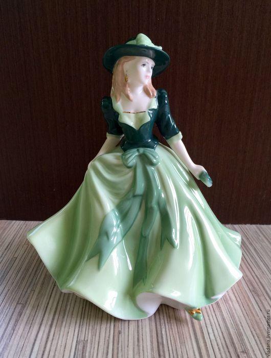 """Винтажные предметы интерьера. Ярмарка Мастеров - ручная работа. Купить Фарфоровая статуэтка """"Holly""""  Royal Worcester.. Handmade. Комбинированный, винтаж"""