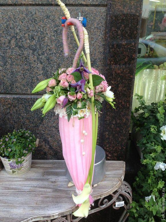 В зонтике цветы фото