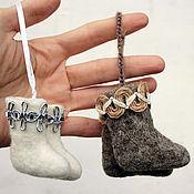 Подарки к праздникам ручной работы. Ярмарка Мастеров - ручная работа Валеночки сувенирные. Handmade.