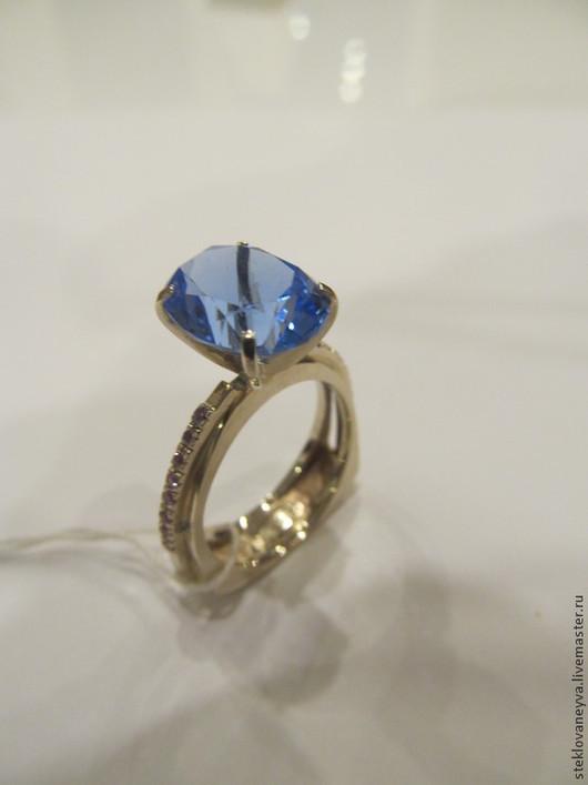 Кольца ручной работы. Ярмарка Мастеров - ручная работа. Купить Перстень золотой с розовыми сапфирами и перунитом. Handmade. Разноцветный