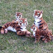 Куклы и игрушки ручной работы. Ярмарка Мастеров - ручная работа Тигриное семейство (валяные игрушки). Handmade.