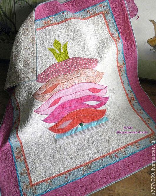 """Пледы и одеяла ручной работы. Ярмарка Мастеров - ручная работа. Купить Детское одеяло """"Принцесса на горошине"""" в розовом. Handmade. Розовый"""