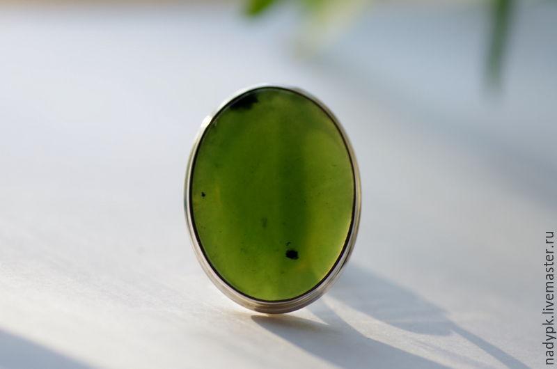 камень нефрит перстень