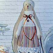 Тильда Зверята ручной работы. Ярмарка Мастеров - ручная работа Заяц Тильда белый с вязаными ушами. Handmade.