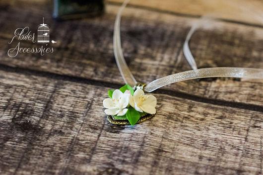 """Кулоны, подвески ручной работы. Ярмарка Мастеров - ручная работа. Купить Кулон """" Воздушность цветка"""". Handmade. Белый"""
