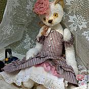 """Куклы и игрушки ручной работы. Ярмарка Мастеров - ручная работа Кошка """"Алиса"""", коллекция Hugglets. Handmade."""