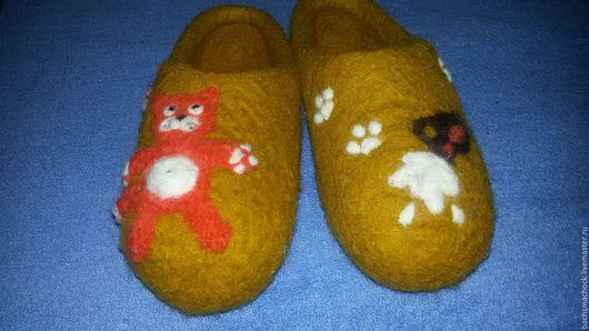 Обувь ручной работы. Ярмарка Мастеров - ручная работа. Купить Тапочки домашние. Handmade. Хаки, шерсть 100%